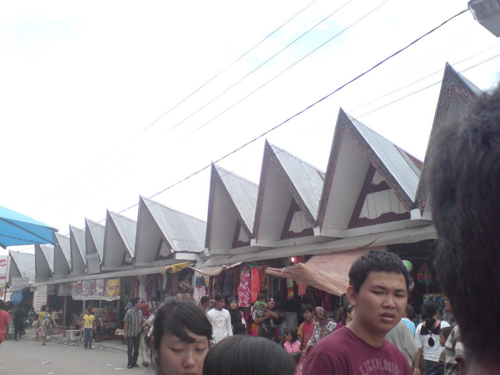 Jalan-jalan ke Danau Toba: Bagian 2/2 - Pulau Samosir (5/6)