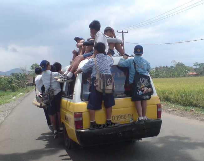 Some Junior Highschoolers In Bandung