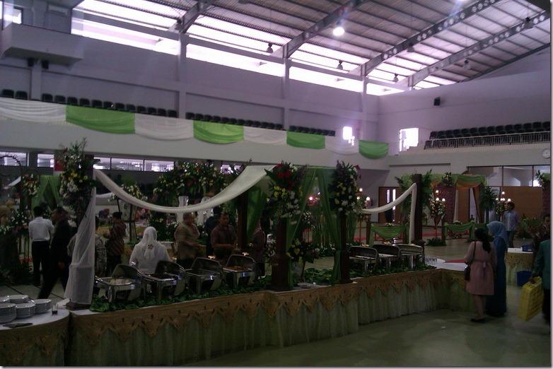 Resepsi Pernikahan Megah Nan Sederhana (4/6)