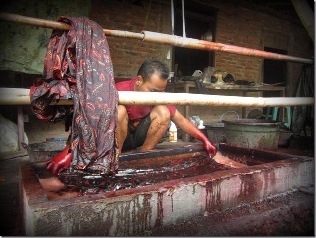 Membuat Batik Celup