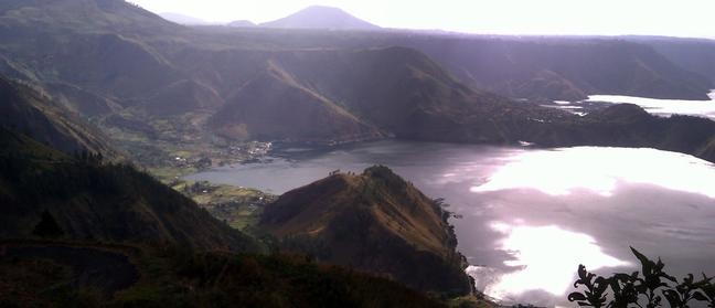Danau Toba Bukit Satu Pohon - 04