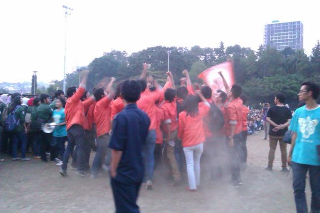 Demonstrasi Yell-yell di Hadapan Maba