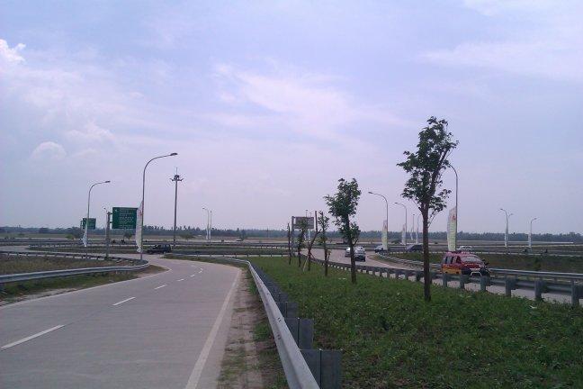 Bundaran Tol depan Kualanamu