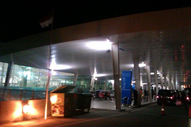 IMAG4746 - Drop off Bandara