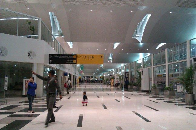 Koridor menuju gate 1-4 (internasional)