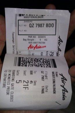 Boarding pass akhir dengan barcode