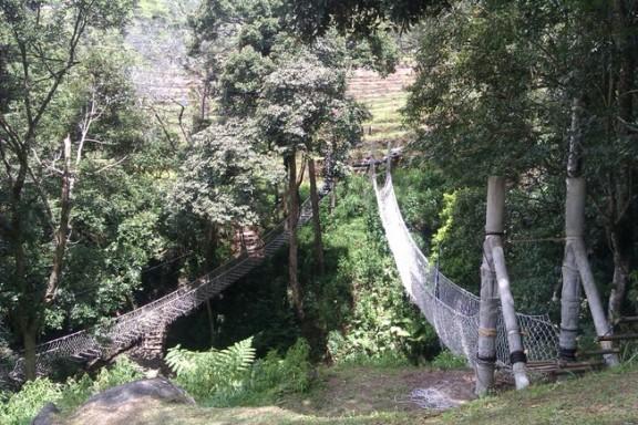 Dua jembatan