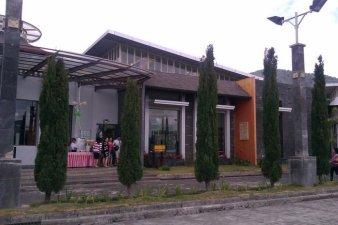 Rumah Buah (Depan)