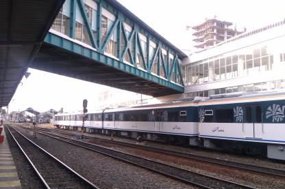 Jembatan menuju area kereta bandara