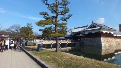 antrian-panjang-di-kuil-hiroshima-kastil-1