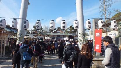 antrian-panjang-di-kuil-hiroshima-kastil-4