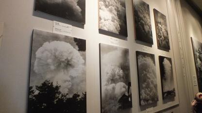 Foto pengeboman sekutu
