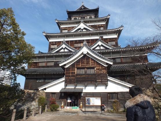 hiroshima-casle-dalam-dan-luar-1