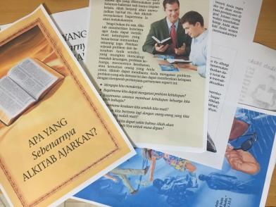 Leaftlet JW Bahasa Indonesia