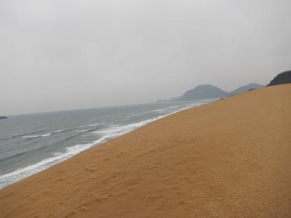 Bermain di sand dune (1)