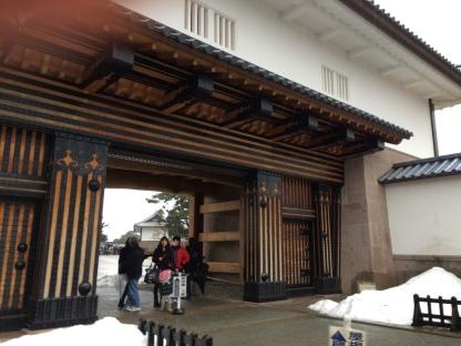 Gerbang kastil (luar)